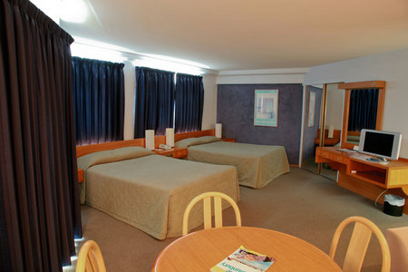 Quality Hotel Lord Forrest - Accommodation Search