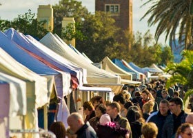 St Kilda Esplanade Market - Accommodation Search