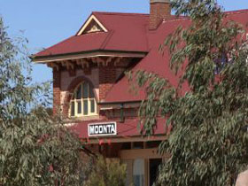 Moonta Tourist Office - Accommodation Search