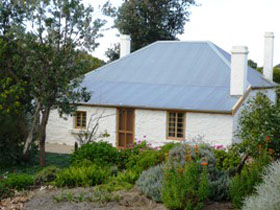 dingley dell cottage - Accommodation Search