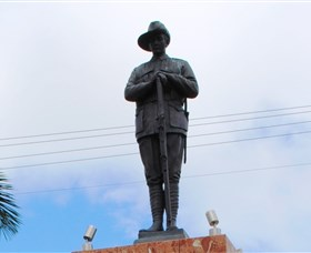 Charters Towers Memorial Cenotaph - Accommodation Search