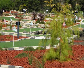 18 Hole Mini Golf - Club Husky - Accommodation Search