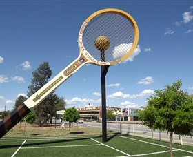 Barellans Big Tennis Racquet - Accommodation Search