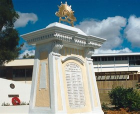 Beenleigh War Memorial - Accommodation Search