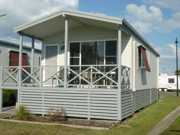 Belmont Pines Lakeside Holiday Park - Accommodation Search
