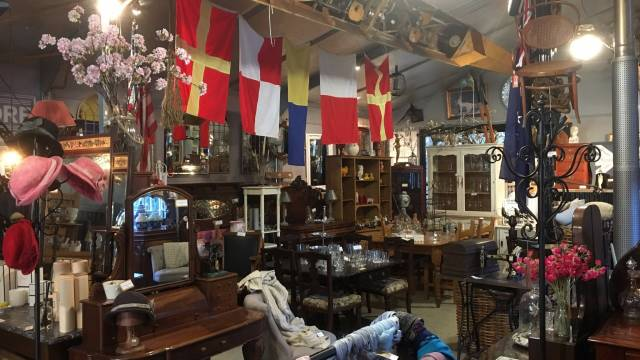 Village Emporium and Antiques Bungendore - Accommodation Search