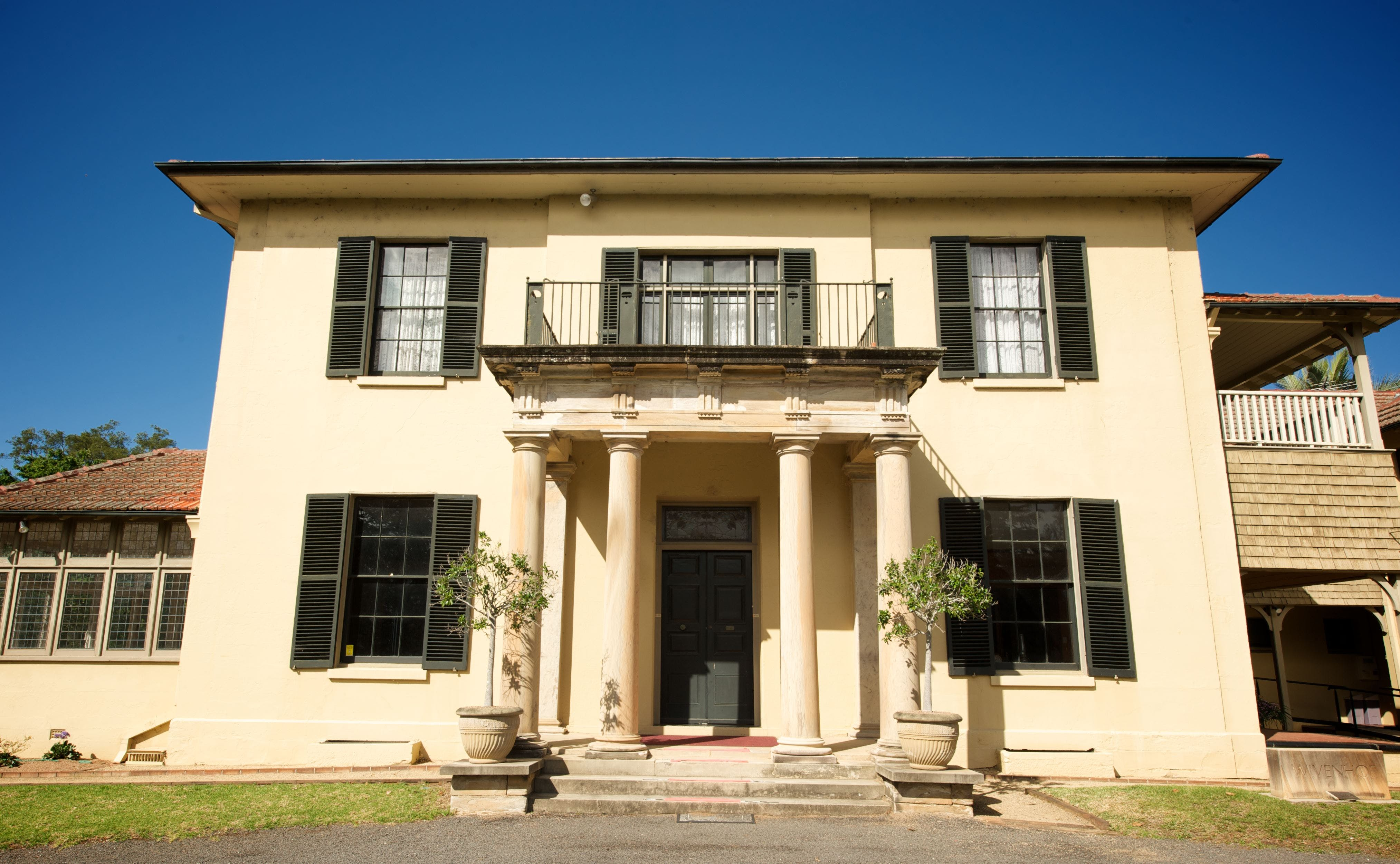Wivenhoe House - Accommodation Search