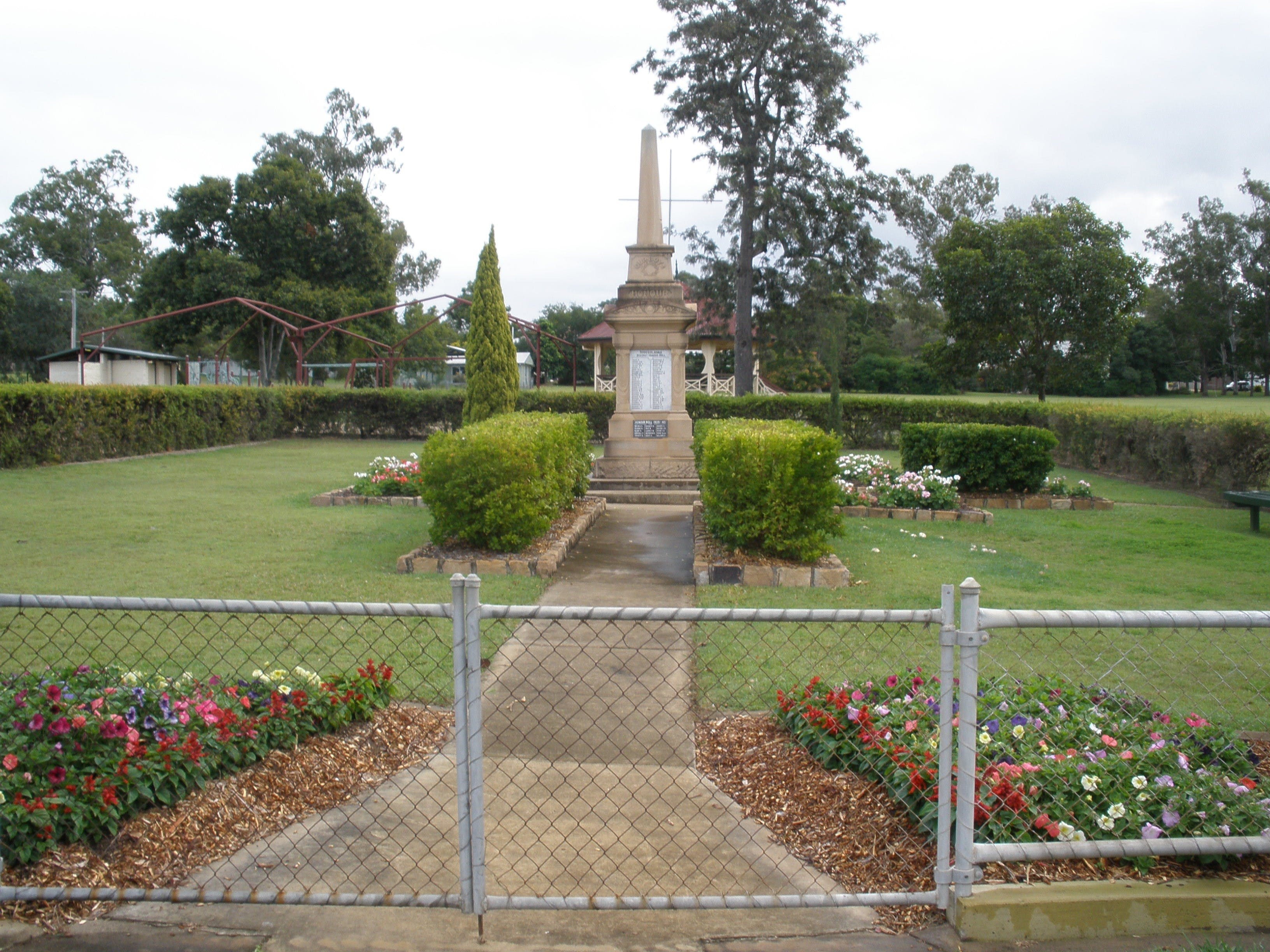 McConnell Park and Toogoolawah War Memorial - Accommodation Search