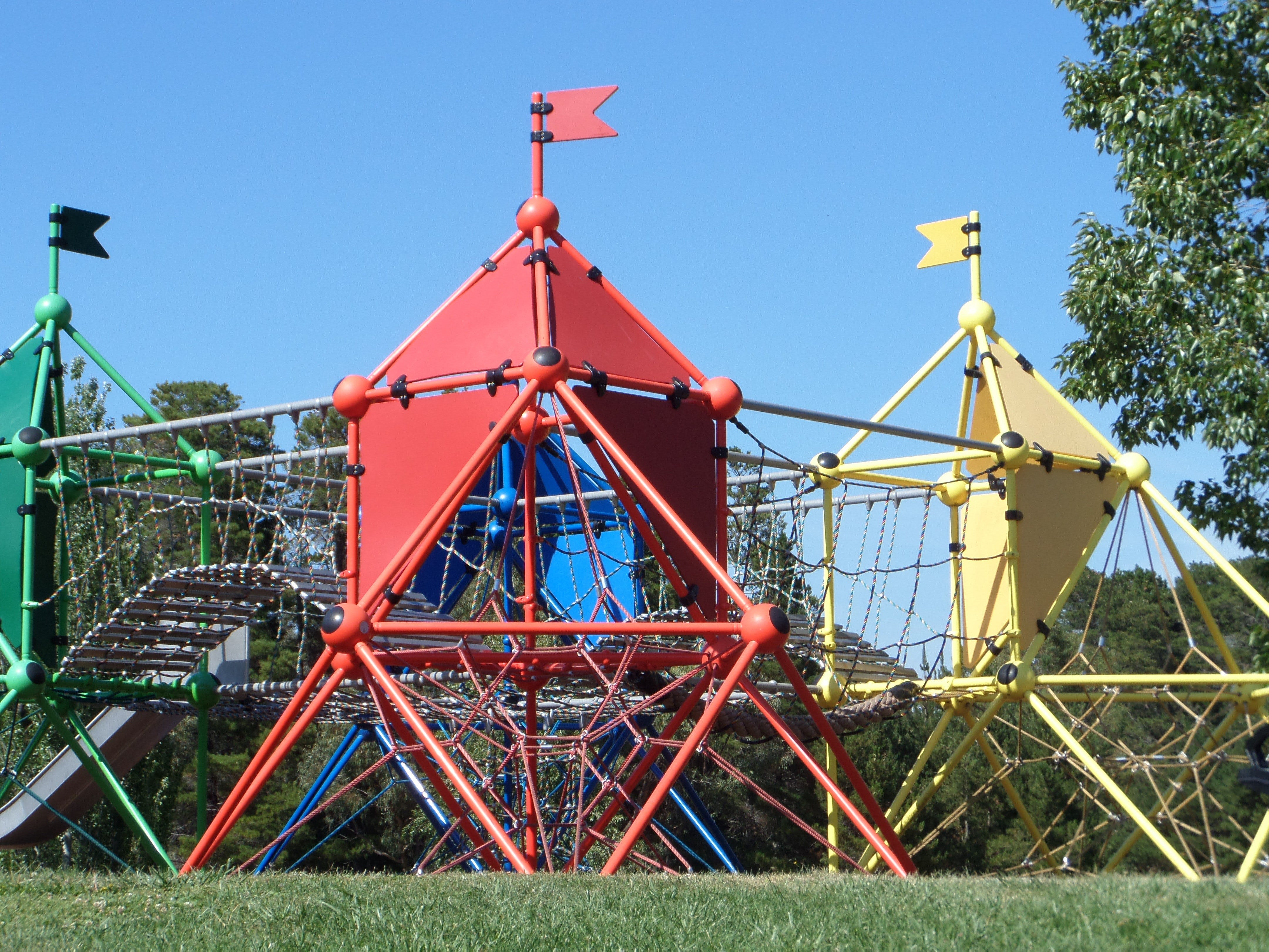 Fadden Pines Playground - Accommodation Search