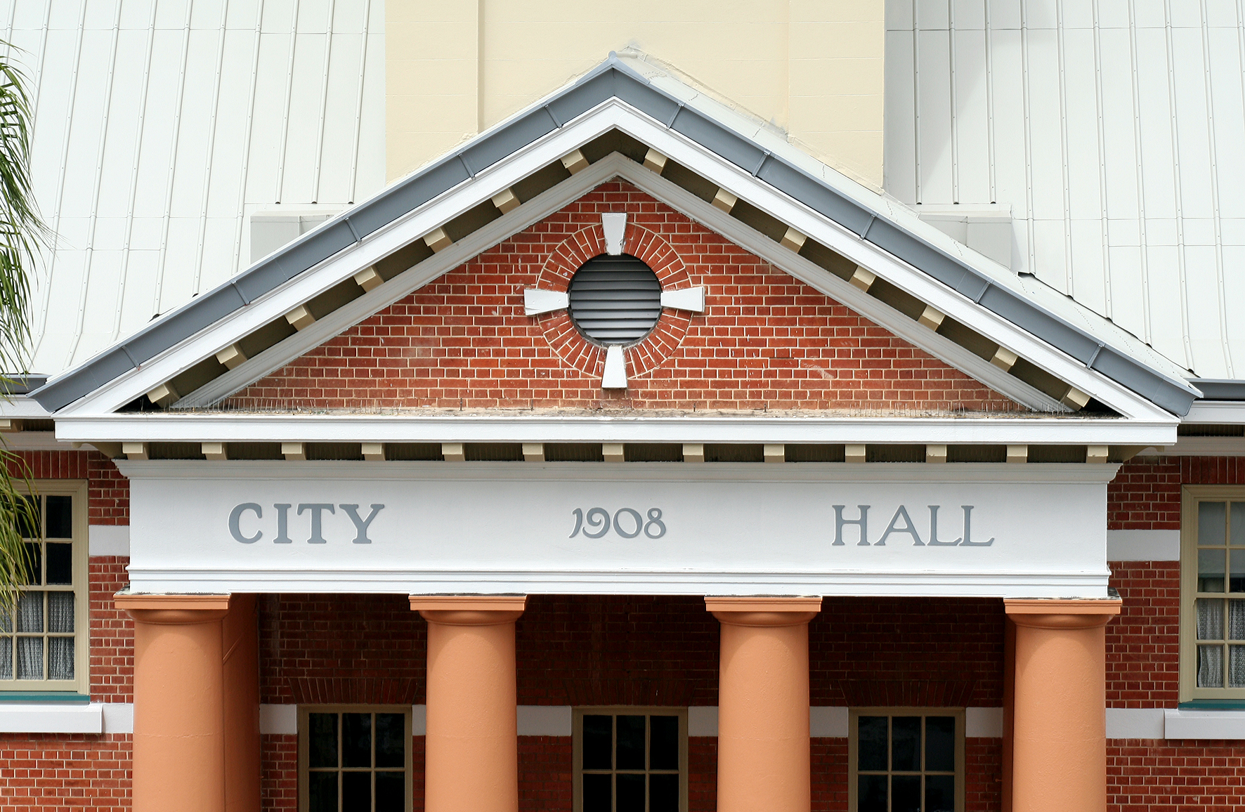 Maryborough City Hall - Accommodation Search