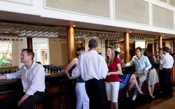 Cairns International Lobby Bar - Accommodation Search