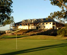 Macarthur Grange Country Club - Accommodation Search