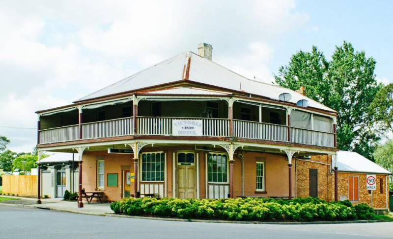 The Victoria Hotel Hinton - Accommodation Search