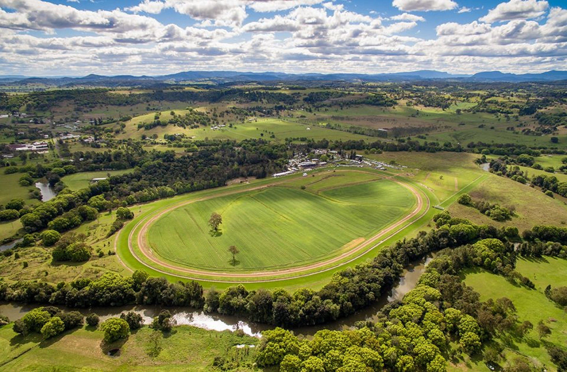 The OBrien Electrical and Plumbing Lismore Cup - Accommodation Search
