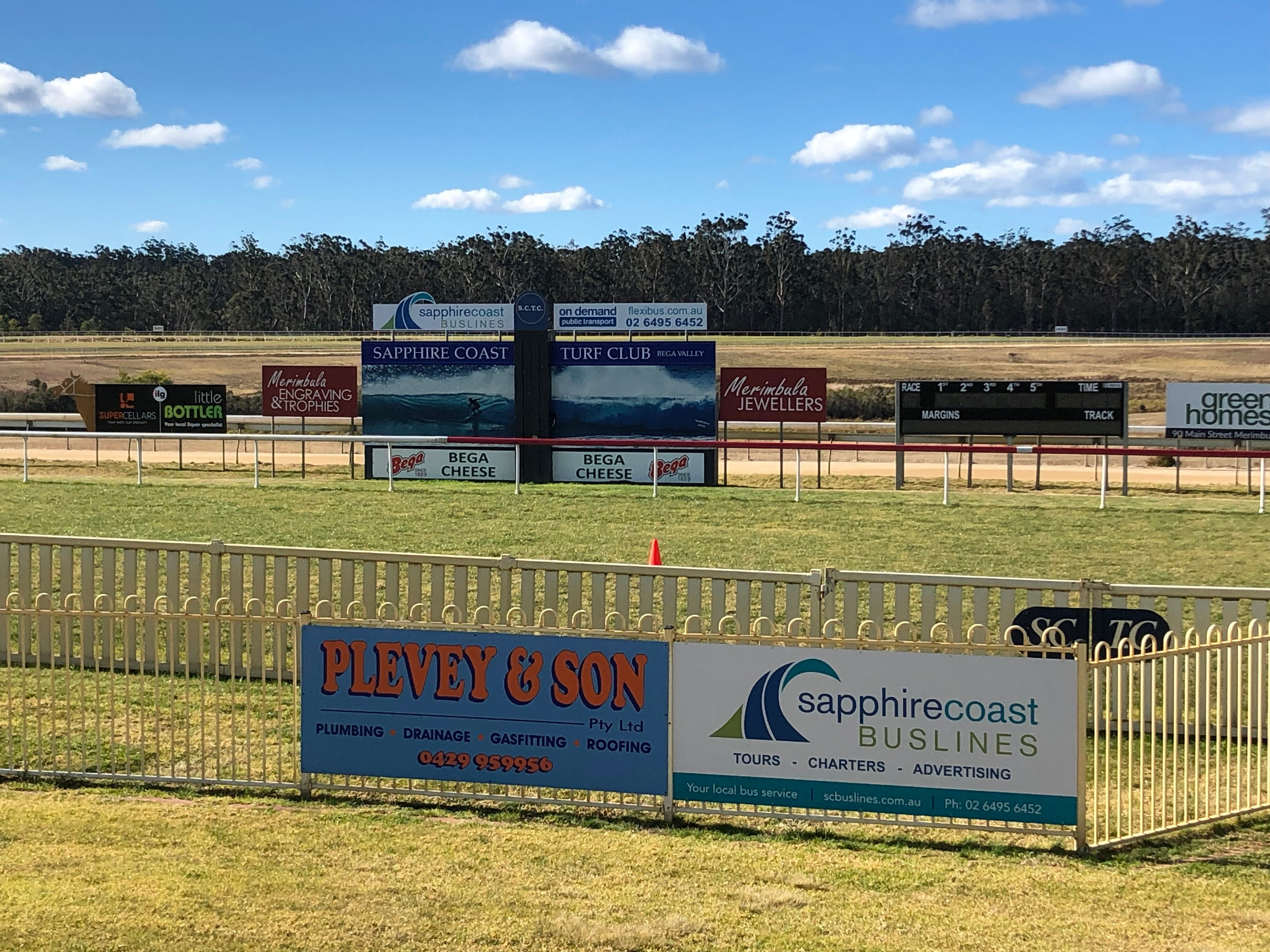 Tathra Cup Hawaiian Themed Fashions on the Field - Accommodation Search