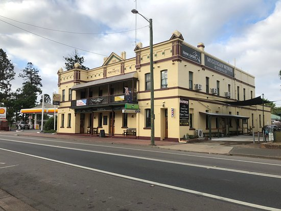 Horse and Jockey Hotel - Accommodation Search
