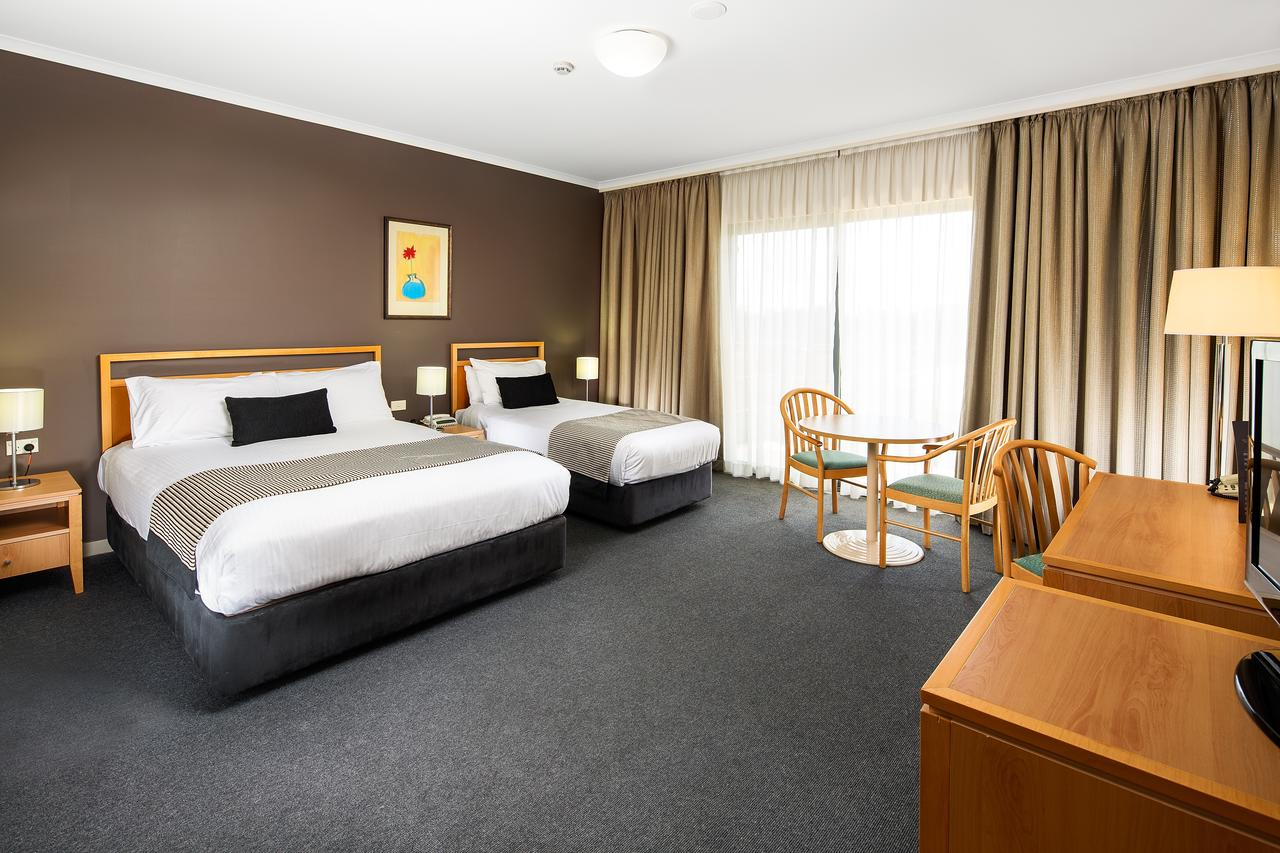 The Woden Hotel - Accommodation Search