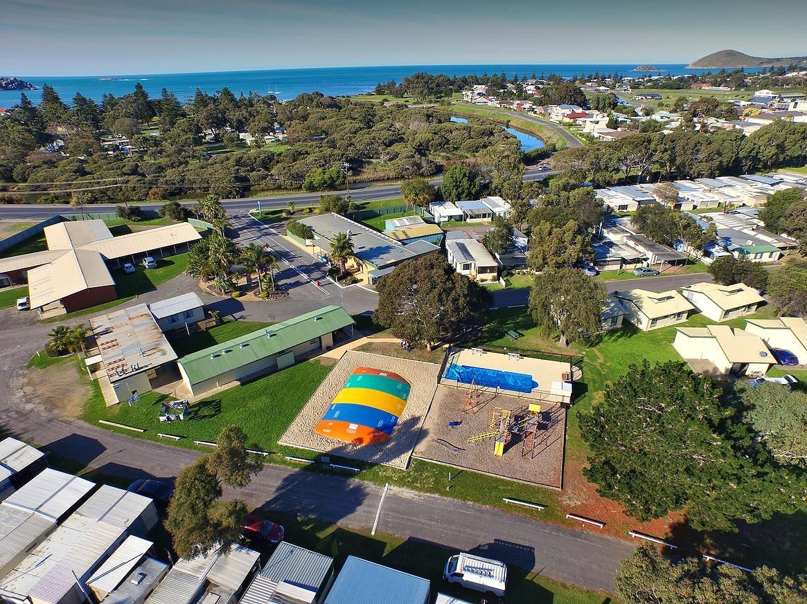 Victor Harbor Holiday  Cabin Park - Accommodation Search