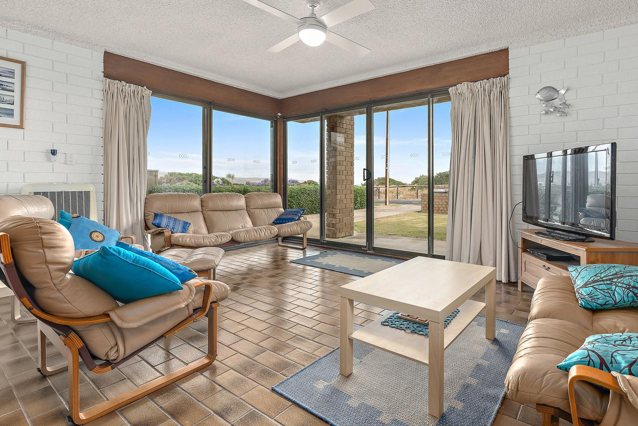 Sun  Surf Aldinga Beach Apartment - Accommodation Search