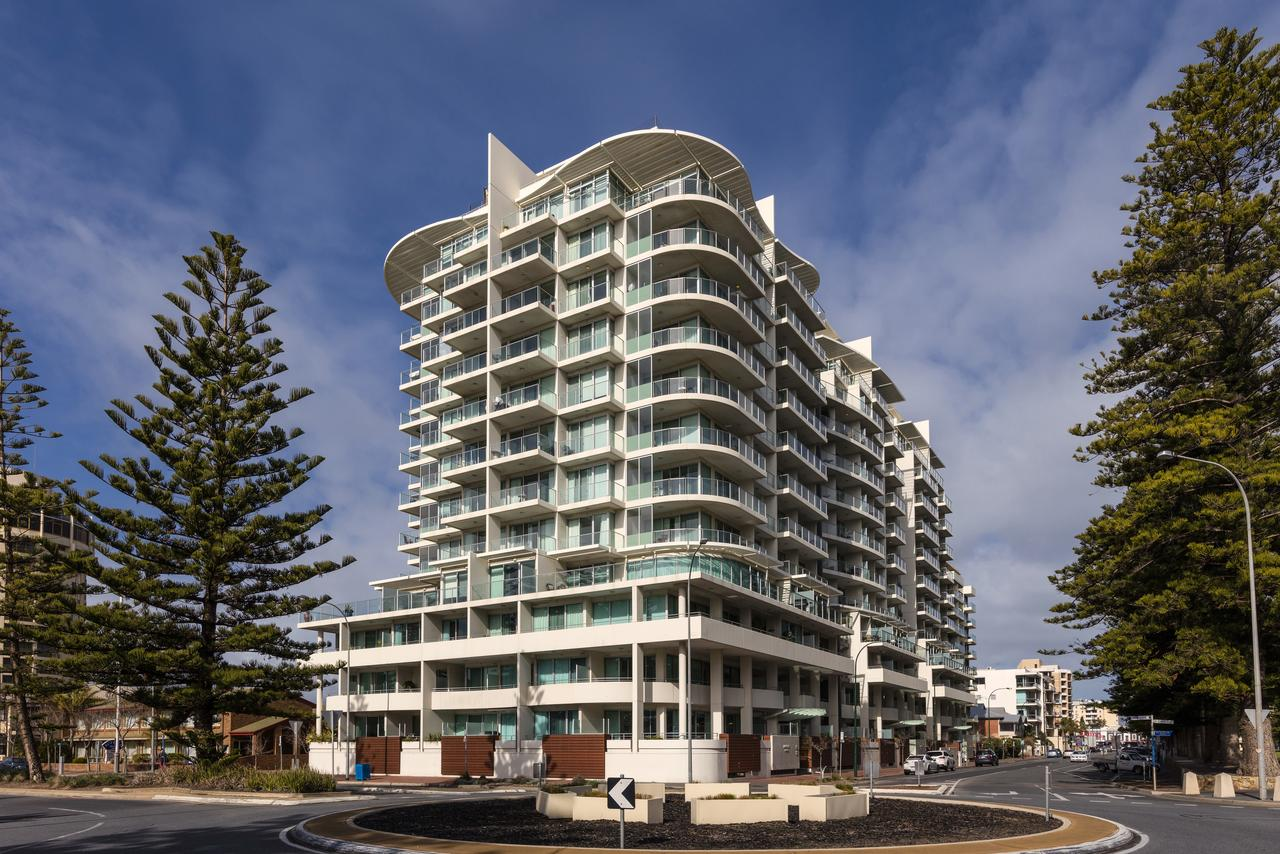 Oaks Liberty Towers - Accommodation Search