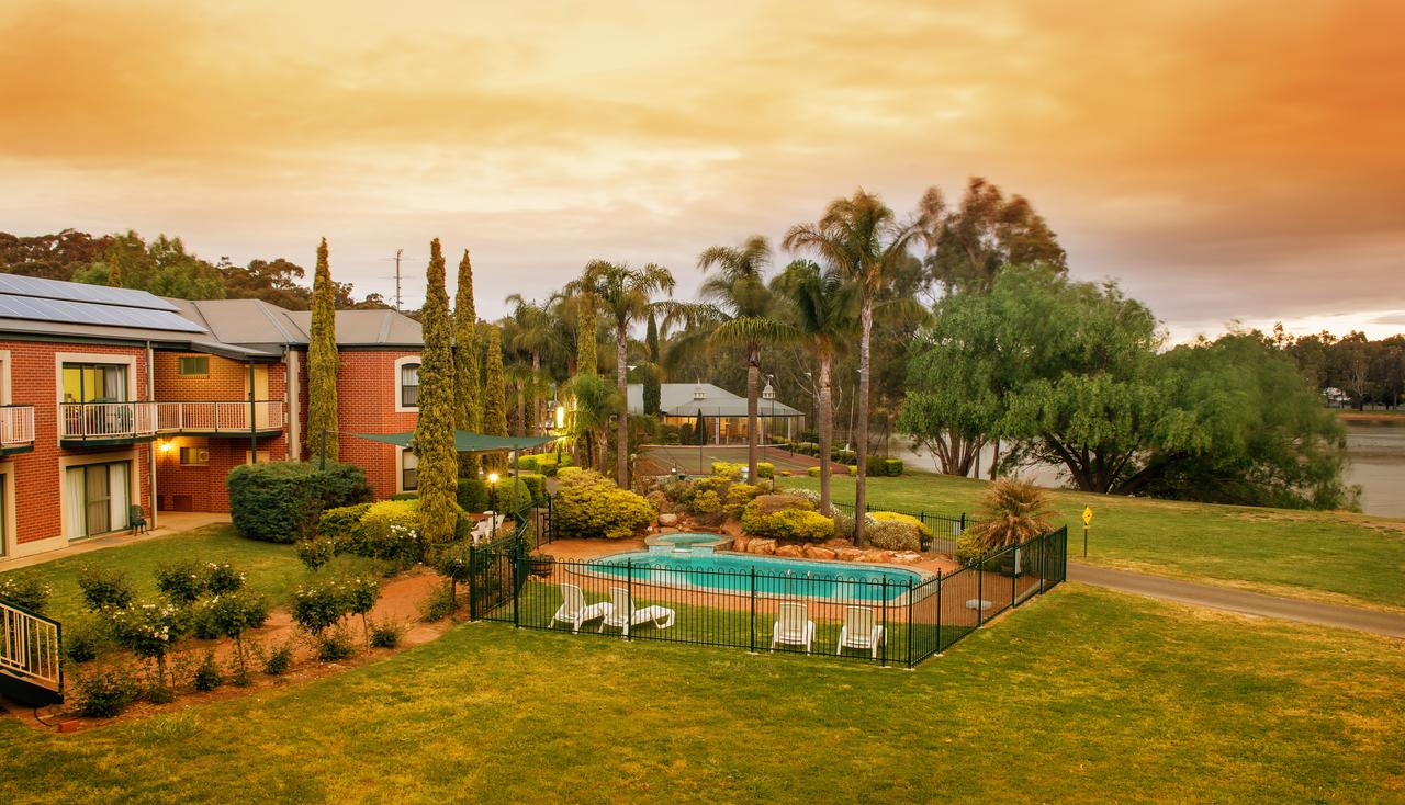 Clare Country Club - Accommodation Search