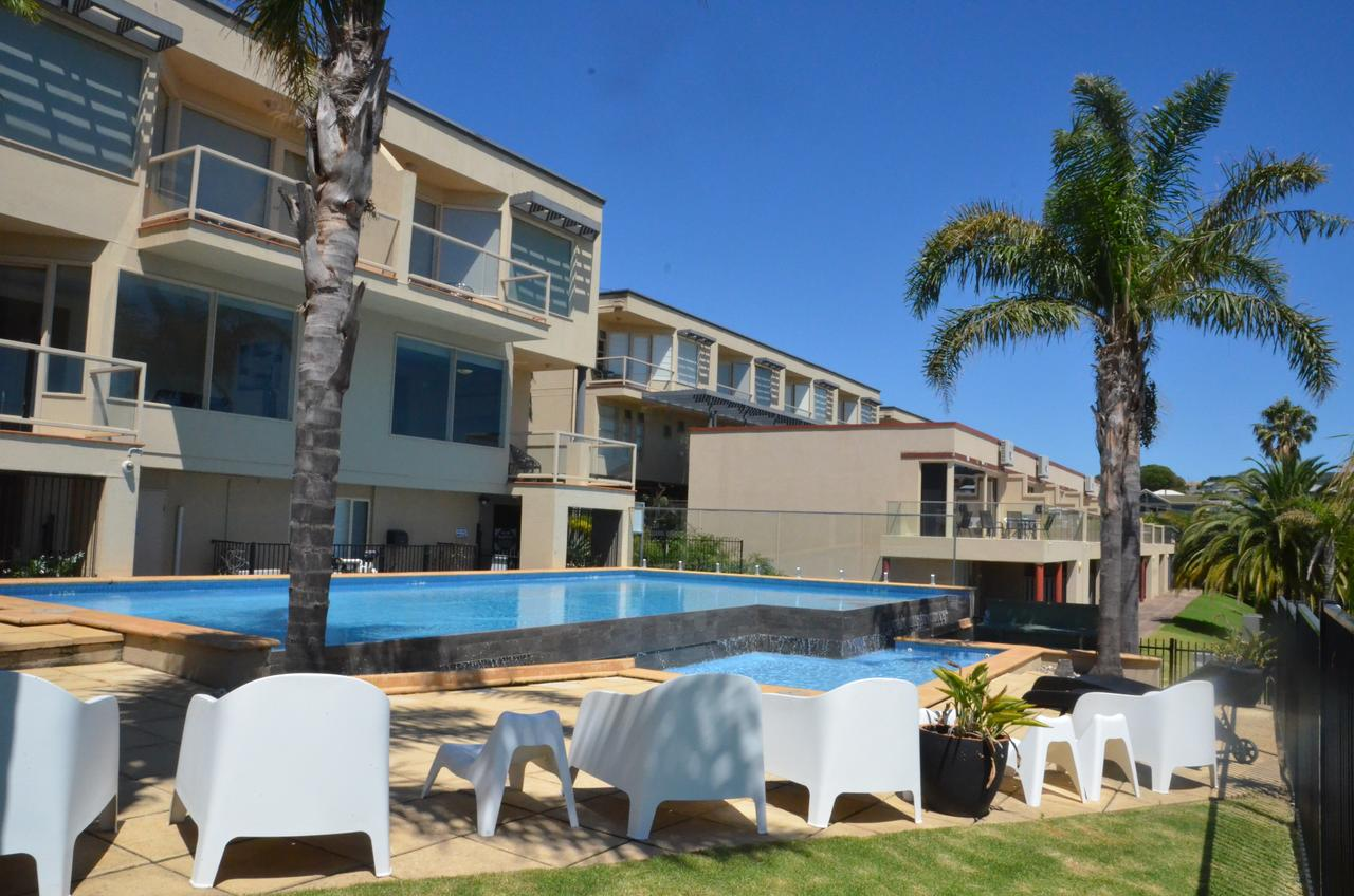 The Bluff Resort Apartments - Accommodation Search