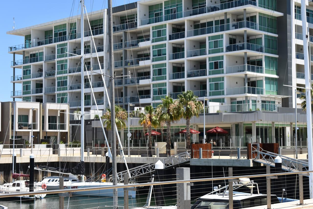 Breakwater Apartment - Accommodation Search