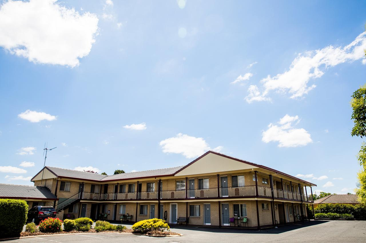 Lilac City Motor Inn  Steakhouse - Accommodation Search