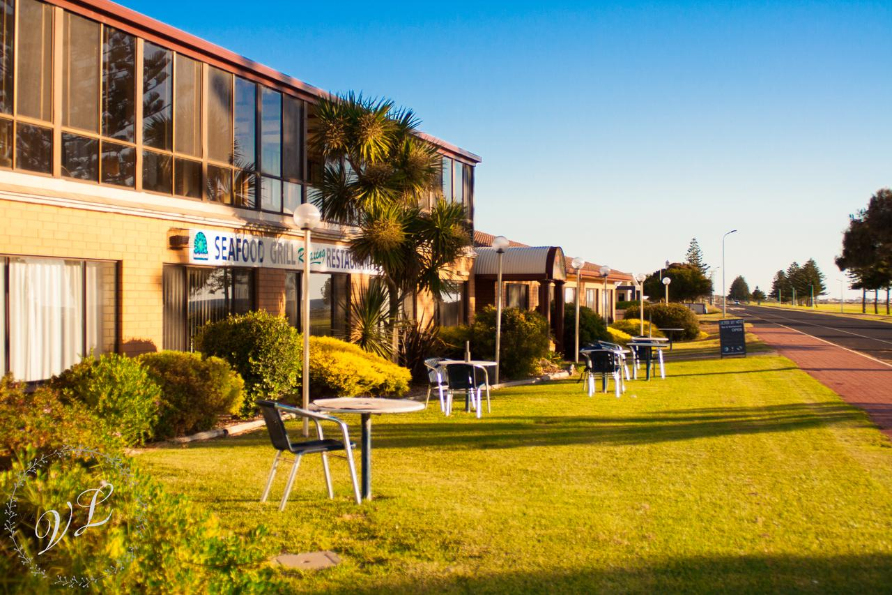 Lacepede Bay Motel  Restaurant - Accommodation Search