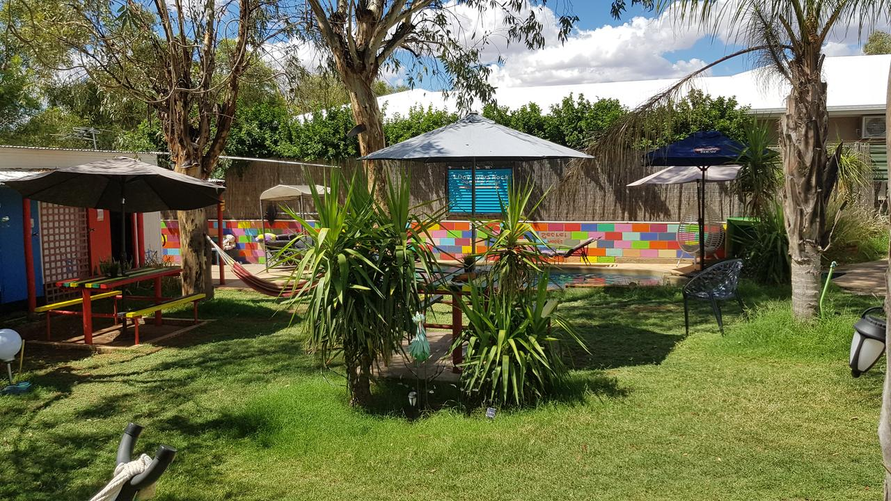 Alice's Secret Travellers Inn - Accommodation Search