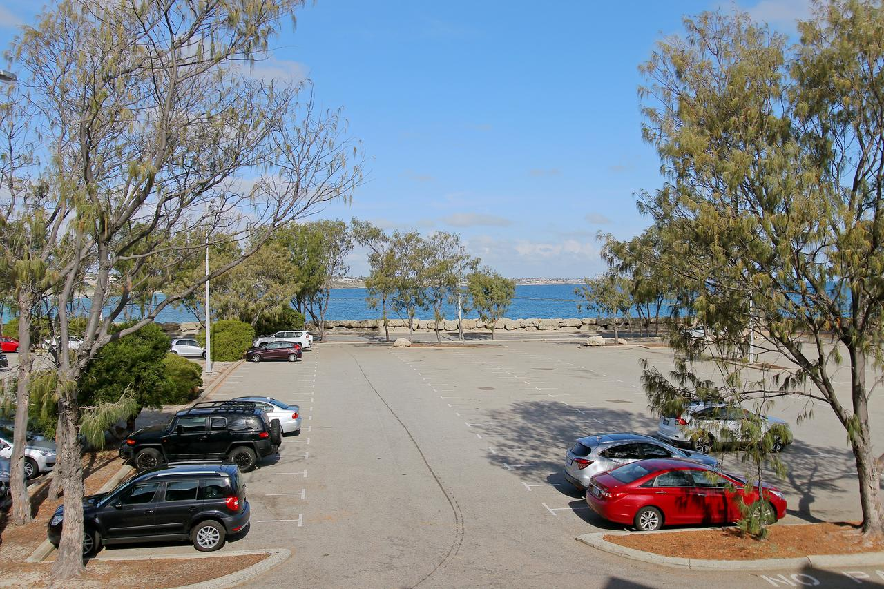 Hillarys Marina Apartment - Accommodation Search