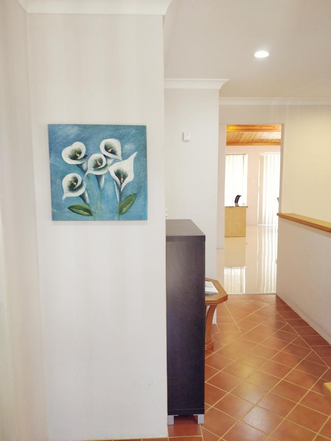 Cosy easy access home near Perth CBD and Fremantle - Accommodation Search