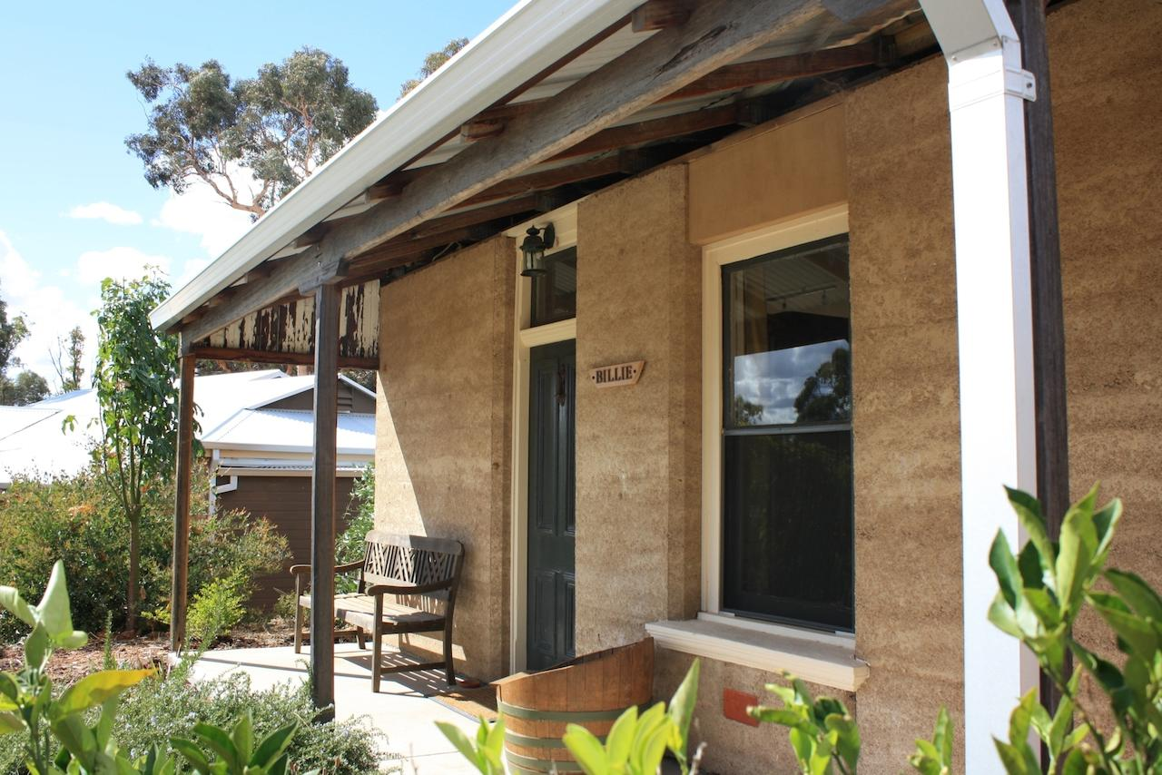 Hotham Ridge Winery and Cottages - Accommodation Search
