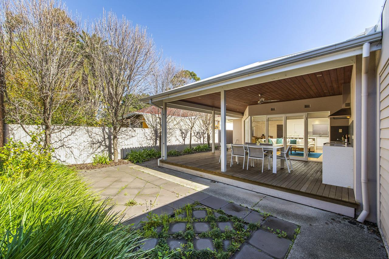 Inner Western Suburbs Retreat - Accommodation Search