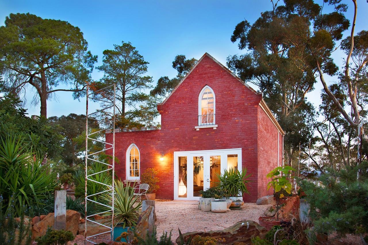 bebe castlemaine - Accommodation Search