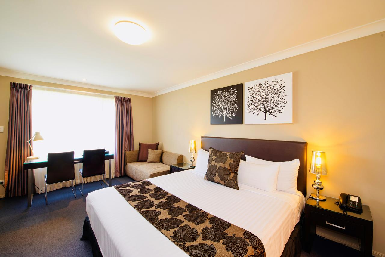 Best Western Plus Ambassador On Ruthven Motor Inn - Accommodation Search