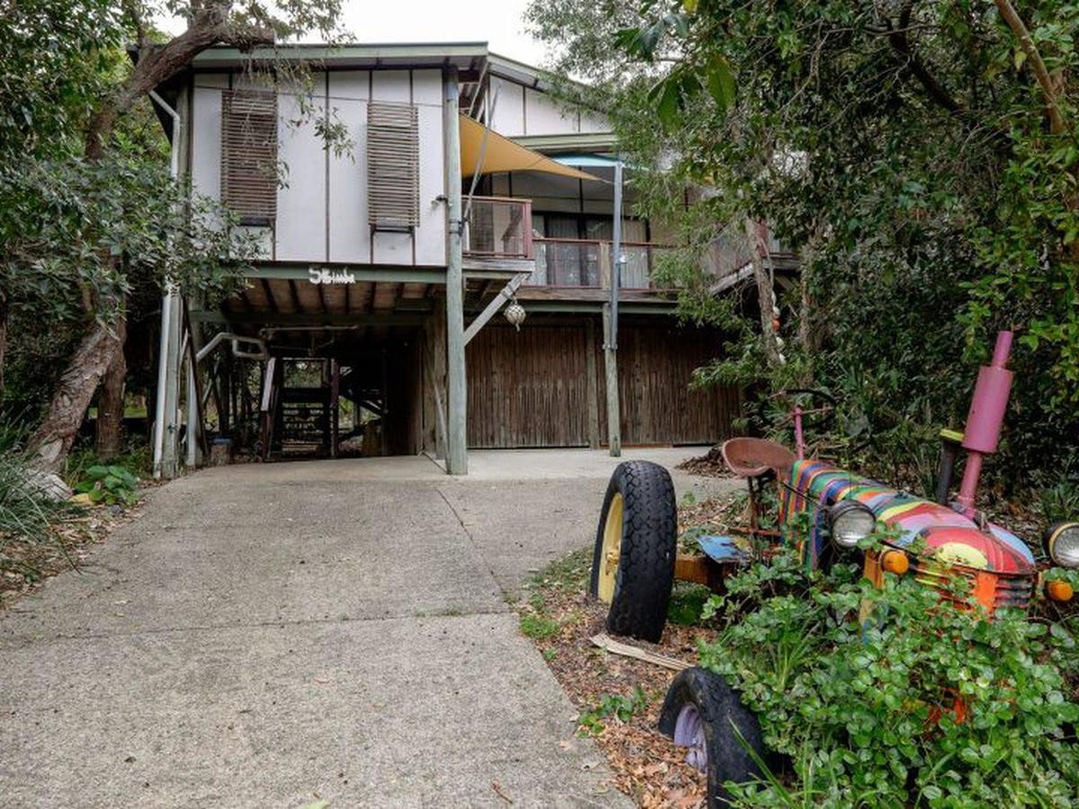 Five Bimba Tractor House - Accommodation Search